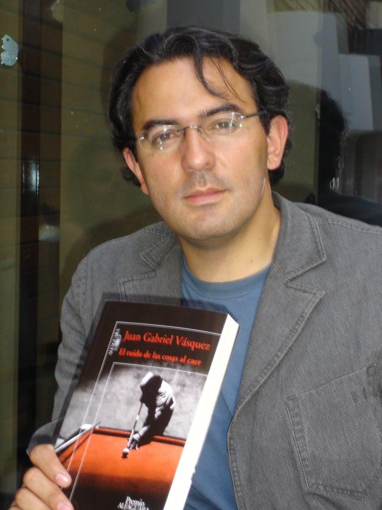 """Autor de """"El ruido de las cosas al caer"""", Premio Alfaguara de Novela 2011"""