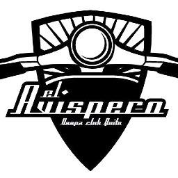 """""""El Avispero"""" es el club de fanáticos de la moto Vespa, creado en Quito en 2010. Todos los jueves por la noche, decenas de motociclistas recorren la ciudad en conjunto, cuidándose los unos a los otros."""